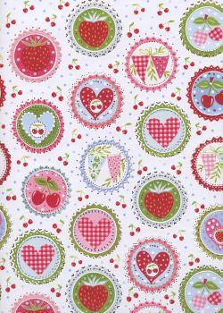 Macarons de fruits rouges réhaussé argent (50x70)