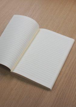 Cahier à lignes ivoire 12x16,5cm (72 pages)