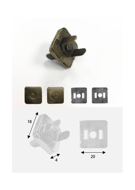 Top magnétique carré argent (18x18mm)